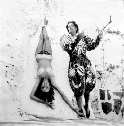 dali-costume-clown-model-upside-down