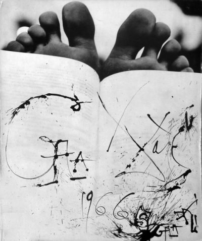 salvador dali feet