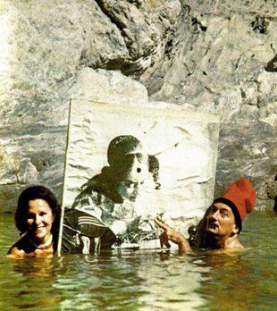 salvador swiming with gala