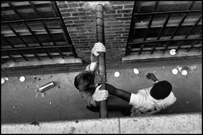 bruce-davidson-new-york-city-brooklyn-gang