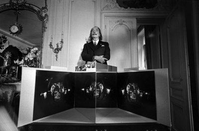 spanish-artist-salvador-dali-presents-his-stereoscopy-work-1975-nixon-gallery