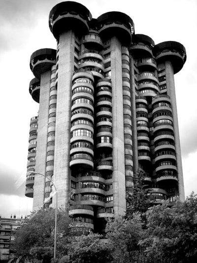orres Blancas apartment building, Madrid. It's an extraordinary fusion of the Brutalist and Organic styles